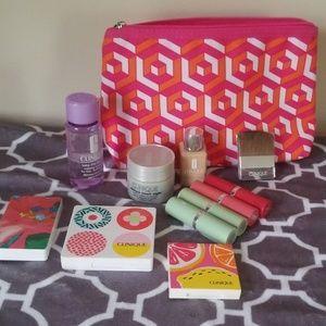 Clinique bundle!! 12 items!! All new!